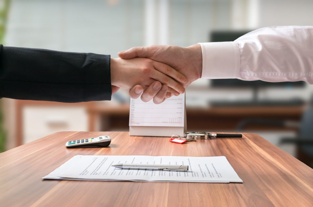 povinnosť zakladanie dokumentov do zbierky listín